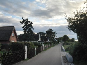 "Promenade direkt am Strand in ""Am Schwarzen Busch"""